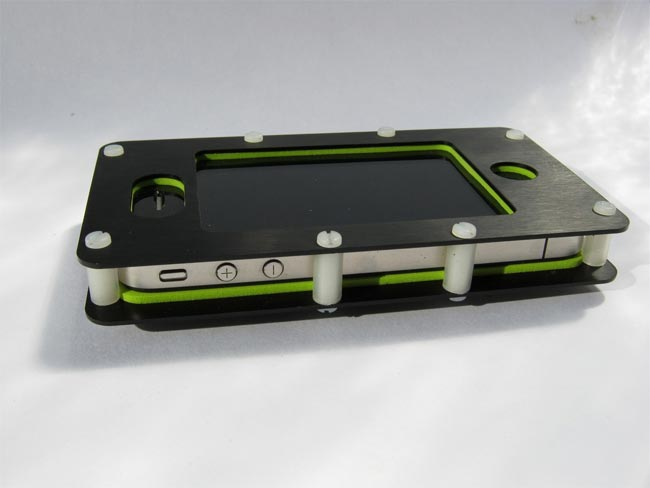 ruggedized-iphone4case1